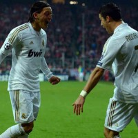 Mesut Ozil supports for Ronaldo!