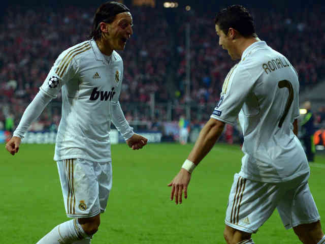 Mesut Ozil takes support for his old friend, Ronaldo