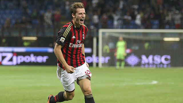 Birsa wins the match for AC Milan with his amazing goal