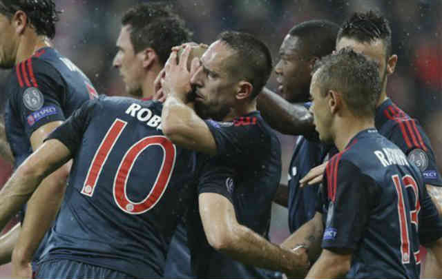 Franck Ribery celebrates with his good friend Robben for his goal