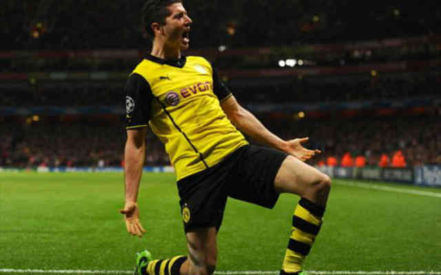 Lewandowski seals the game with goal against Arsenal at the Champions League