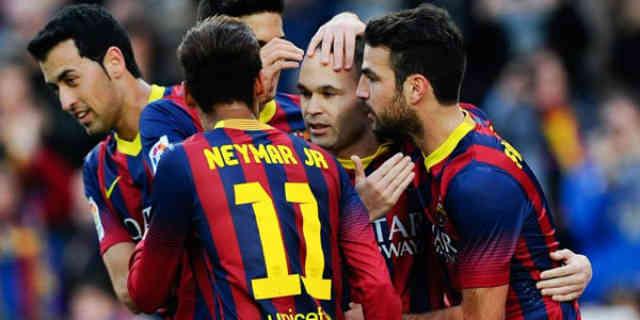 Barcelona team celebrate their smasher win