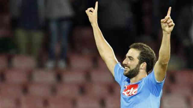 Higuain secures Napoli for the win in the Champions League