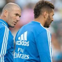 Karim Benzema admires Zidane!