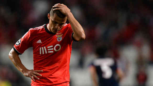Benfica disappointed as they beat PSG could not reach the last 16 in the Champions League
