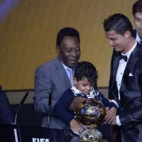 Ronaldo wins the Ballon d'Or 2013!