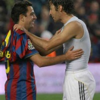 Raul tempts Xavi to join in Qatar